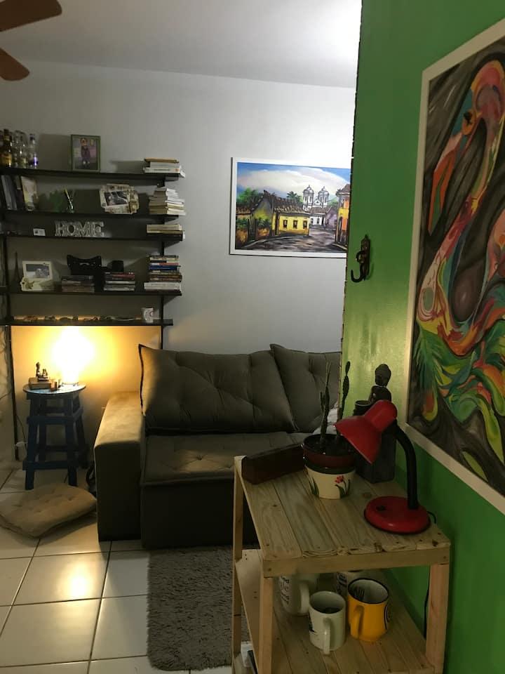 Quarto em  apartamento aconchegante e barato