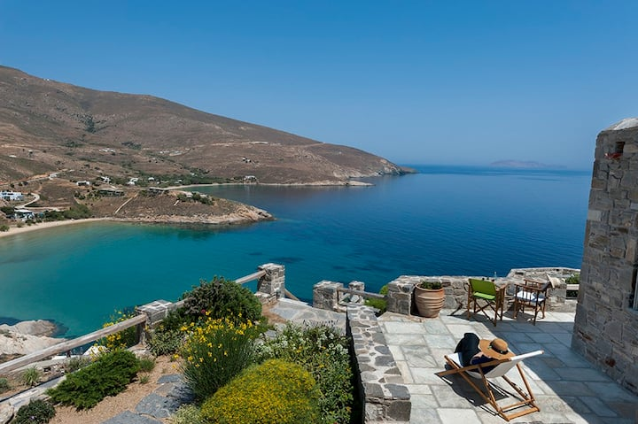 ASPES SERIFOS by Psili Ammos Beach | 16- 24 guests