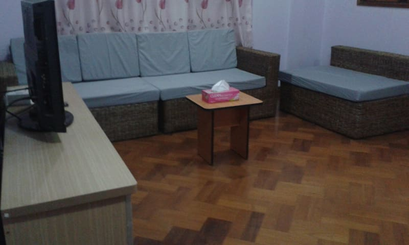 Furnished Condo Flat Near PISM Intl School Yangon - Yangon - Pis