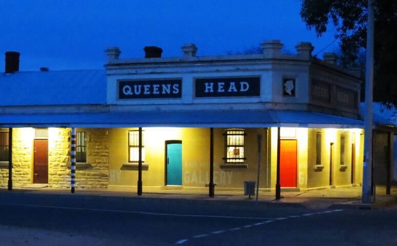 Queens Head Wilcannia Bedroom 3 (double)