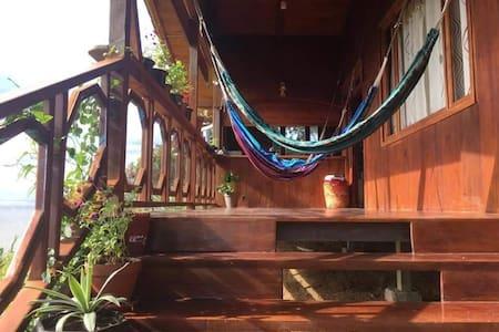 Villa Paz. Tranquilidad, comodidad y aventura.