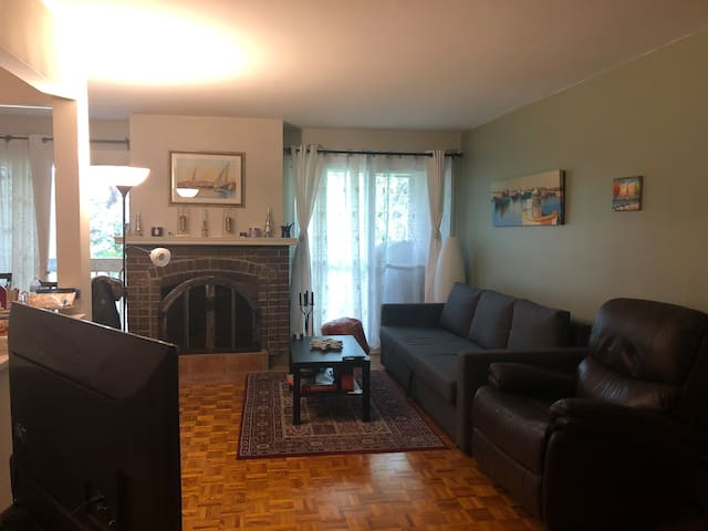 Furnished bedroom in DDO WestIsland Montreal