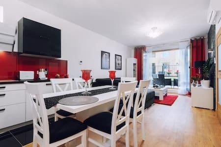 Krakus 2-bedroom, AC modern 70m2, MAX 6ppl, Tarase