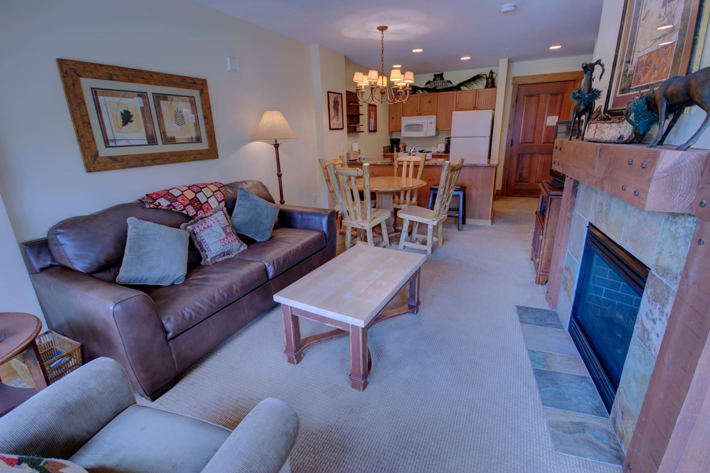 A living room great for entertaining guest
