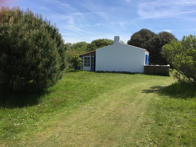 Very quiet house 1 min from beach - Île d'Yeu - Hus