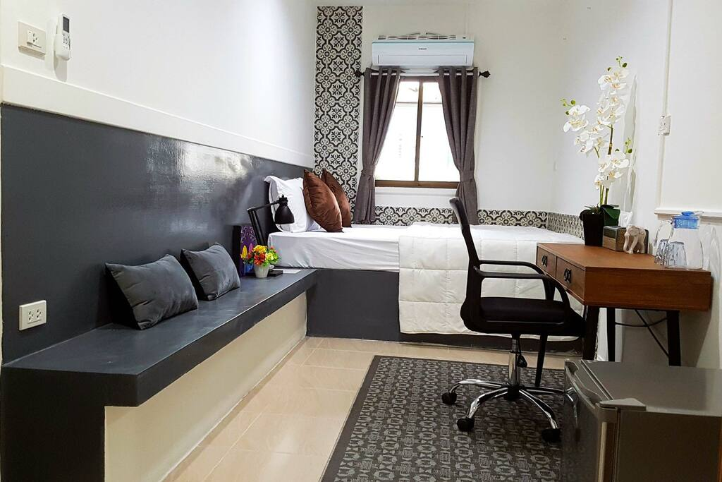 Welcome to our Deluxe Studio with 1 Queen sized comfortable bed, work desk/chair, powerful aircon, SMART LED T.V. FREE Wi-Fi, bar fringe, safety box, beach umbrella, mini wardrobe, laundry bag/service & more greatness for you.