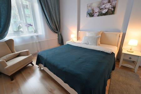 New Apartment Vnukovo (for 1-10person)