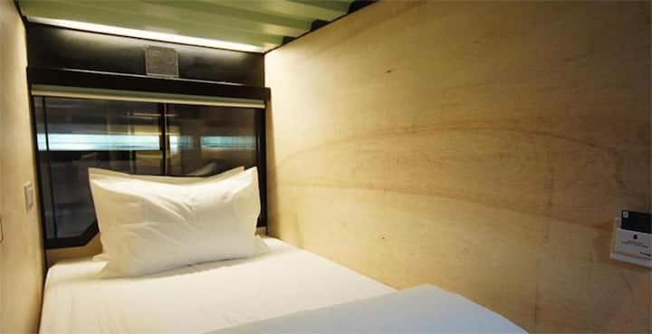 【20% off】Ipoh Old Town -Kong Heng Single Dorm Room