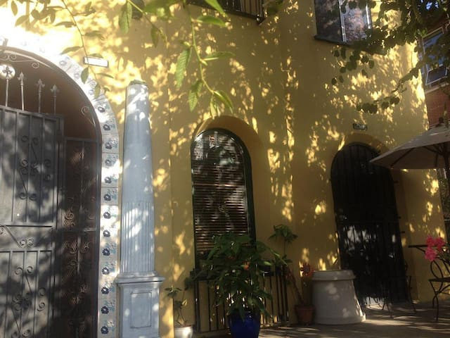 Bedroom + second room, in great 2bd - Los Angeles - Appartement
