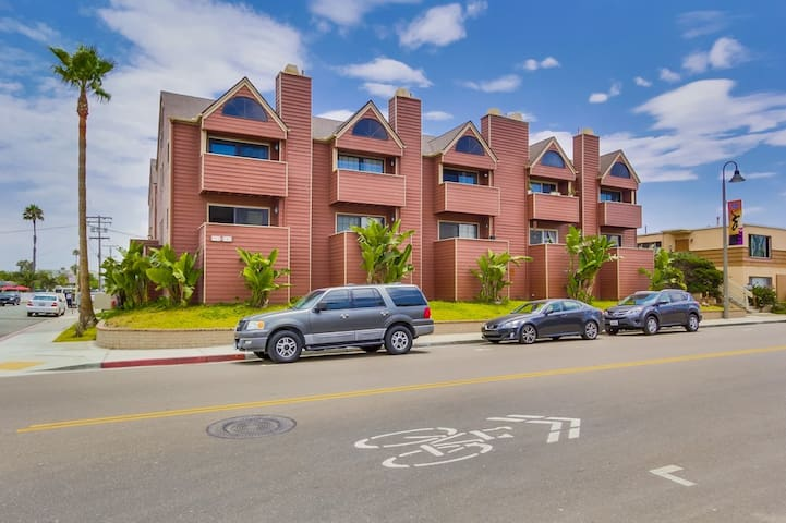 Steps to the Ocean & Beach! 5 Minutes to the Pier! - Imperial Beach - Appartement