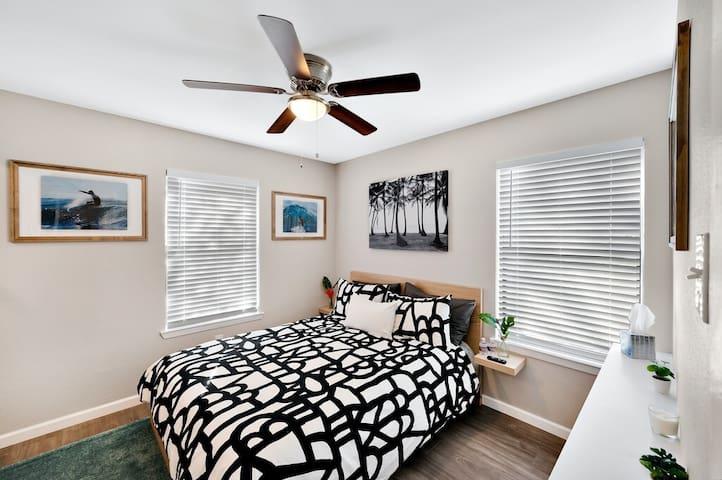 "The ""BSR Surf"" room"