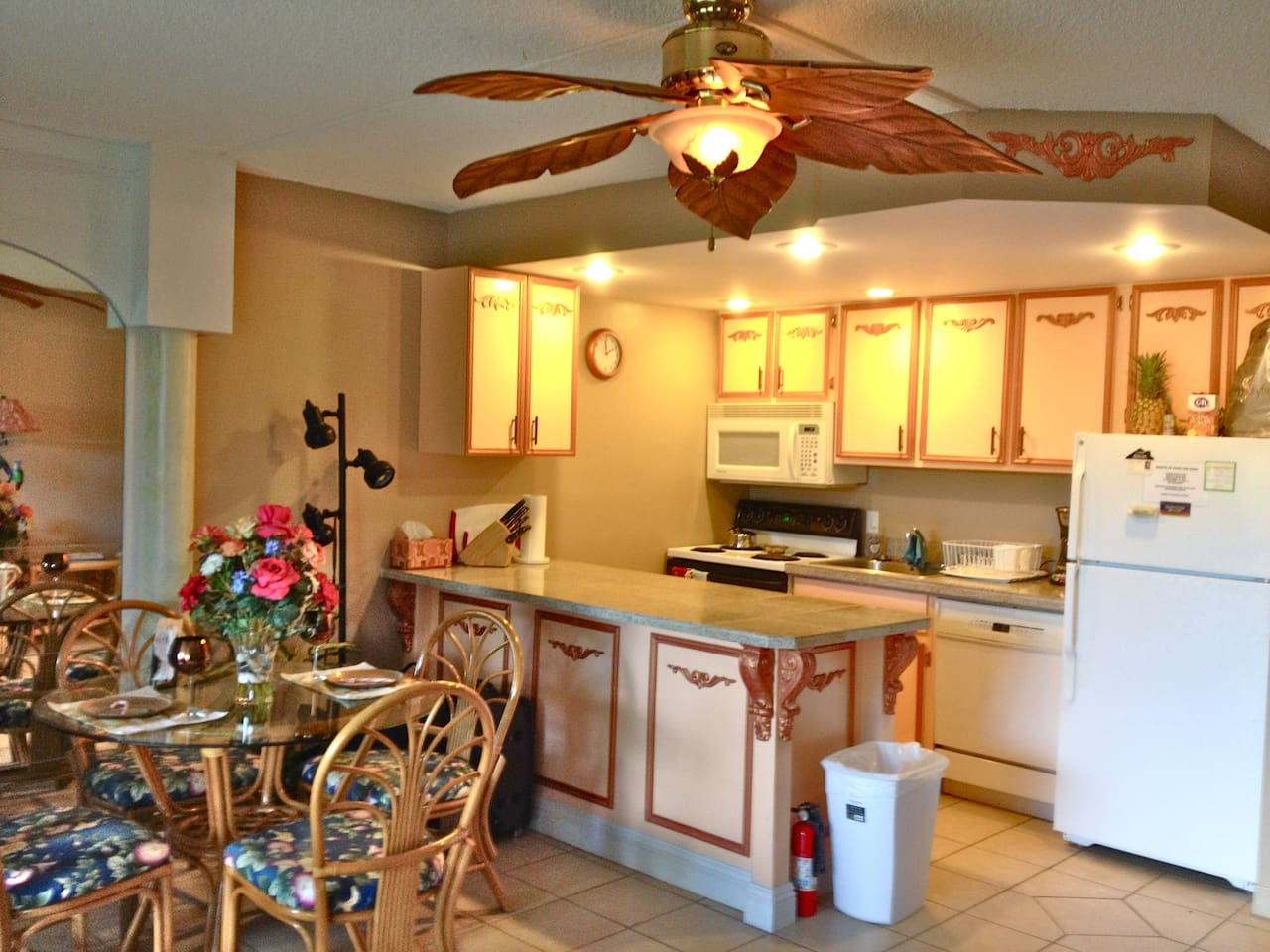 Fully equipped kitchen, with all the utencils you will need!