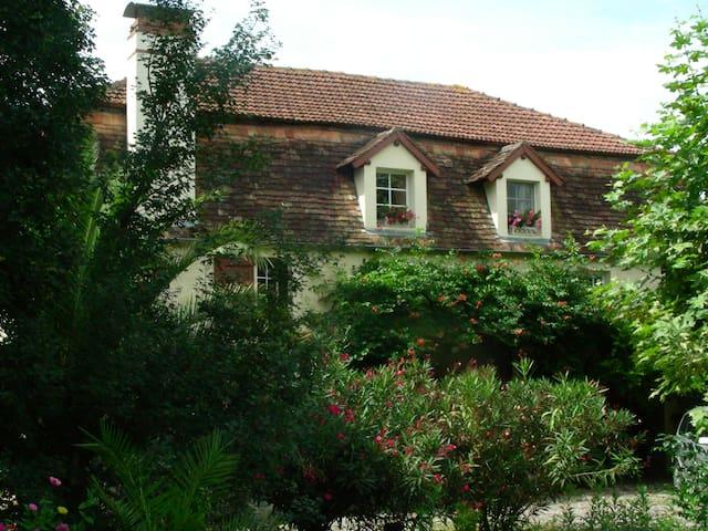 Appartement duplex - Sauveterre-de-Béarn - House