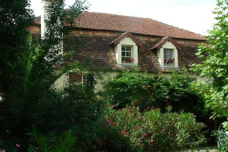 Appartement duplex - Sauveterre-de-Béarn - Casa