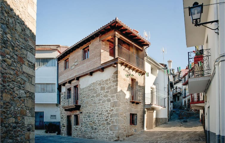 Terraced house with 2 bedrooms on 120m² in Casas del Monte