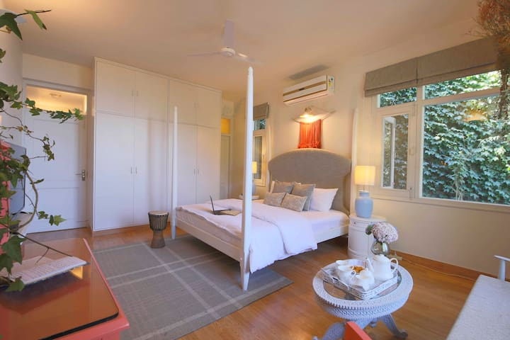 Seclude Summer Vine - Silver Spurs (Private Room)