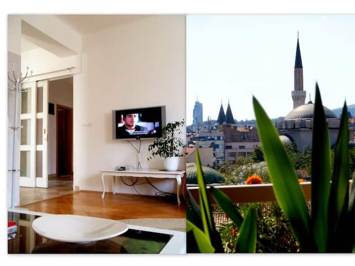 Luxury, large, superb location