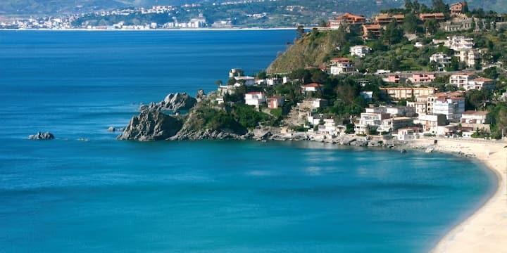 Sea-views apartment in Copanello