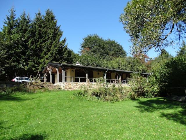 sfeervol huis aan meer Robertville met bootje - Waimes - Casa