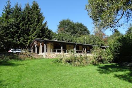 sfeervol huis aan meer Robertville en Wintersport - Waimes