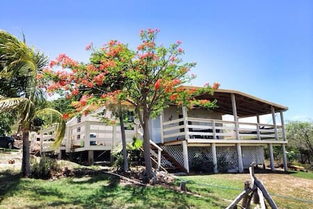 Family-friendly Beach Villa - Culebra