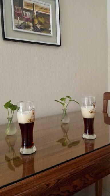 提供啤酒杯,咖啡杯,茶具等用品使用
