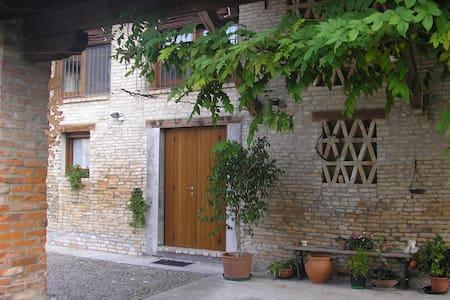 Accogliente rustico in campagna - Teglio Veneto - Casa