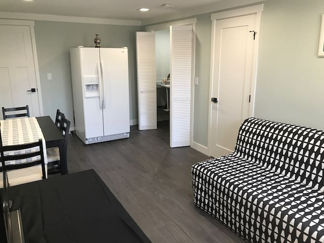Entire suite with private entrance in Sunnyvale