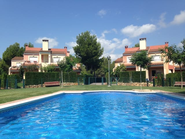Relaxing house with pool close to the sea - Mont-roig del Camp - Apartemen