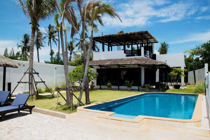 "Beachhouse ""Manao"" near Bangkok"