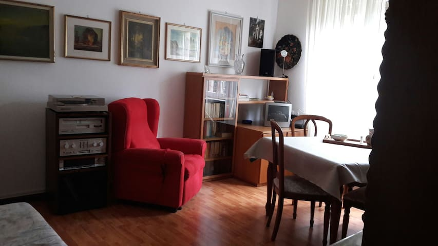 APPARTEMENT COMPLET à VARESE - LOMBARDIE ITALIE.
