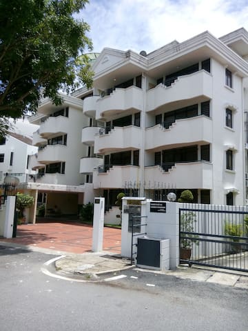 Guarded Luxury Apartment  - George Town - Apartment