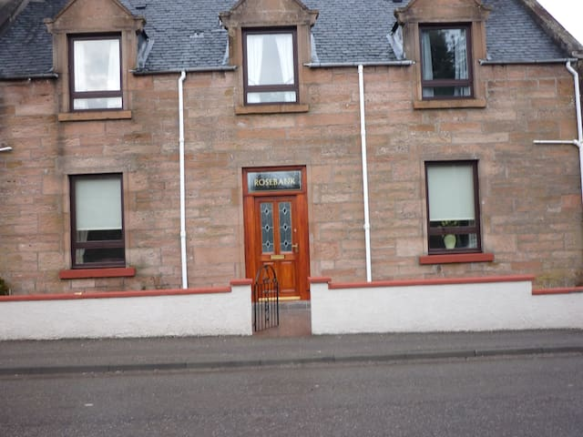 Double Room with en-suite - Beauly - Bed & Breakfast