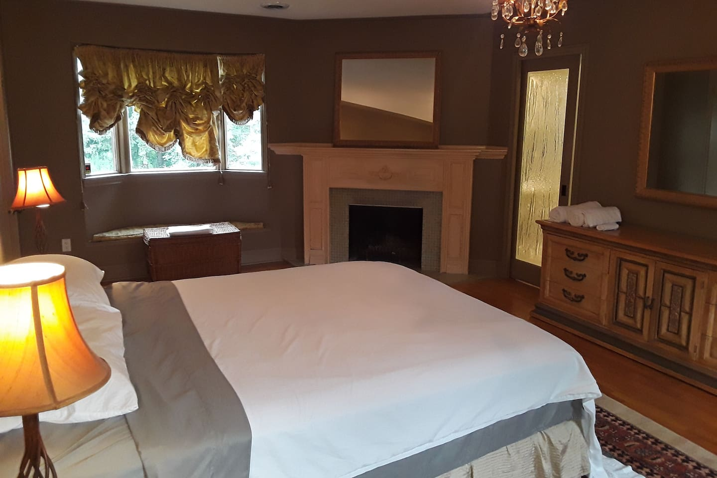 Your away from home oasis awaits you. If you are single or a couple, you will love what this room has to offer. Large, spacious modern, a great bed for fantastic sleeps, a private bathroom with glass rain shower and steam bath.  Can you ask for more?