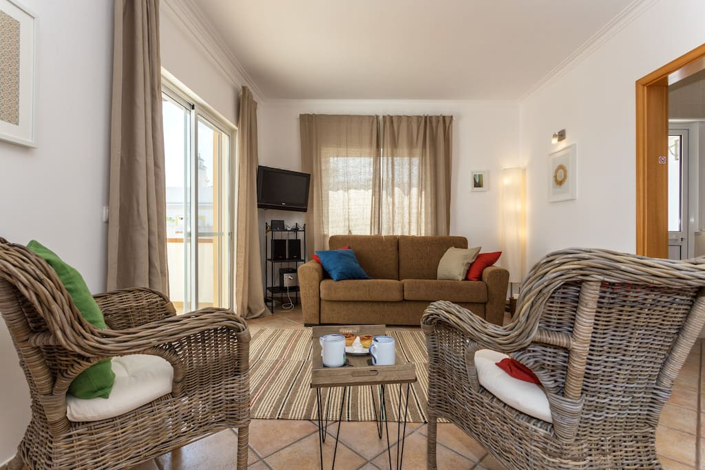 your living room with direct access to a huge private terrace, air co, 4G wifi, TV satellite, hifi