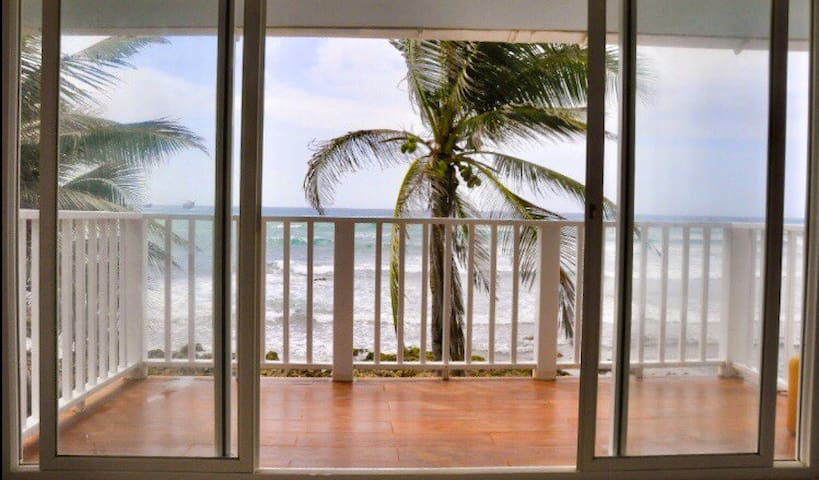 "Amazing ocean view ""PALMERAS""  at Casa Corales"