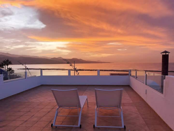 1BRM  renovated apartment with terrace in Canteras