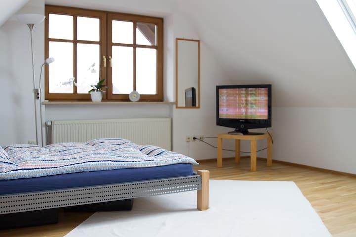 Landshut, Bavaria, sunny room - Altdorf, Lower Bavaria - Rumah