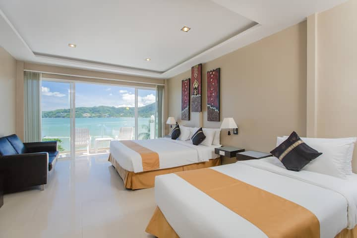 Superior Deluxe Triple Room with Seaview