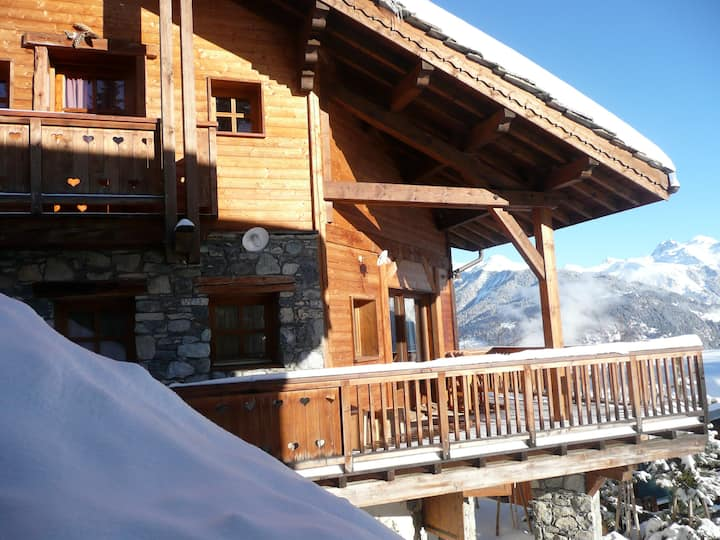 Authentic and cosy chalet close to the ski slope