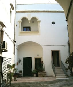 Huge terrace, windy rooms, stylish  - Novoli - Daire