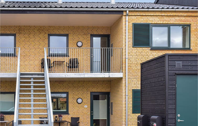 Holiday apartment with 2 bedrooms on 86m² in Hornbæk