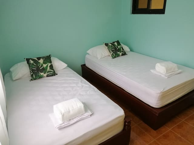 Lucban accommodation for two! Parking + WiFi