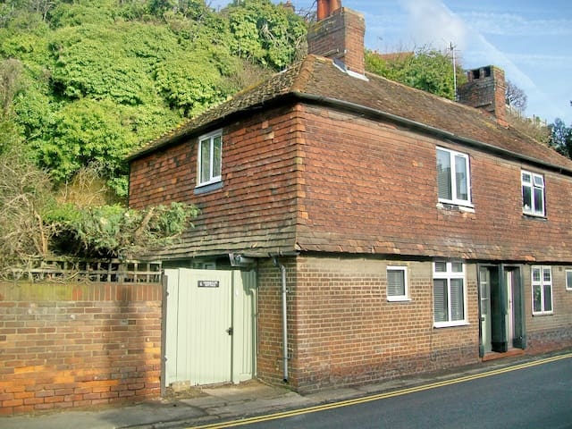 Undercliff Cottage, Rye, Sussex, UK - Rye - House