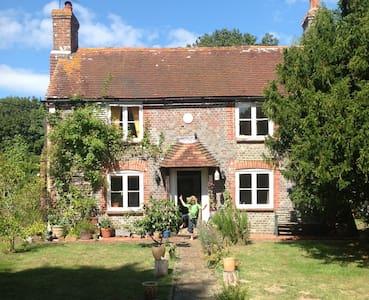 Idyllic country cottage East Sussex - Hailsham - Casa