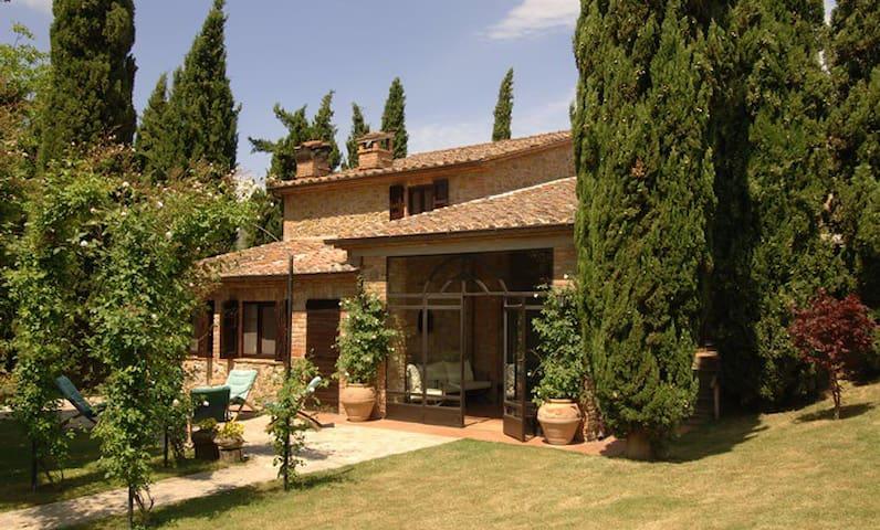 Casa Pindaro, immersa nel verde - Panicale - Vila