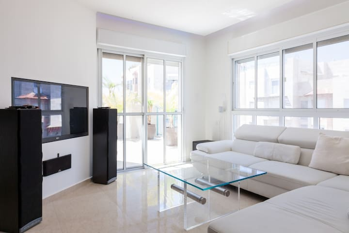 Luxury apartment near science park - Rehovot - Huis