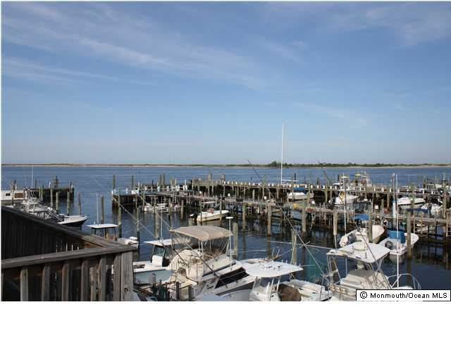 Upscale Home on Marina Views of Sandy Hook & NYC - Highlands - Dom