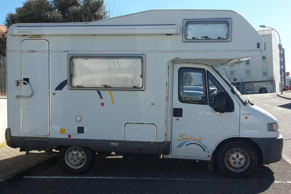 camper lisbon autocaravan portugal airport camping cars caravanes louer lisboa lisboa. Black Bedroom Furniture Sets. Home Design Ideas