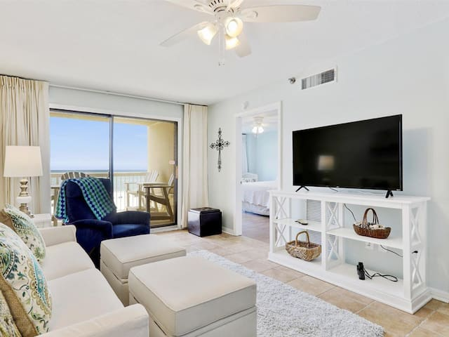 Luxury condo on the beach with direct Gulf views!
